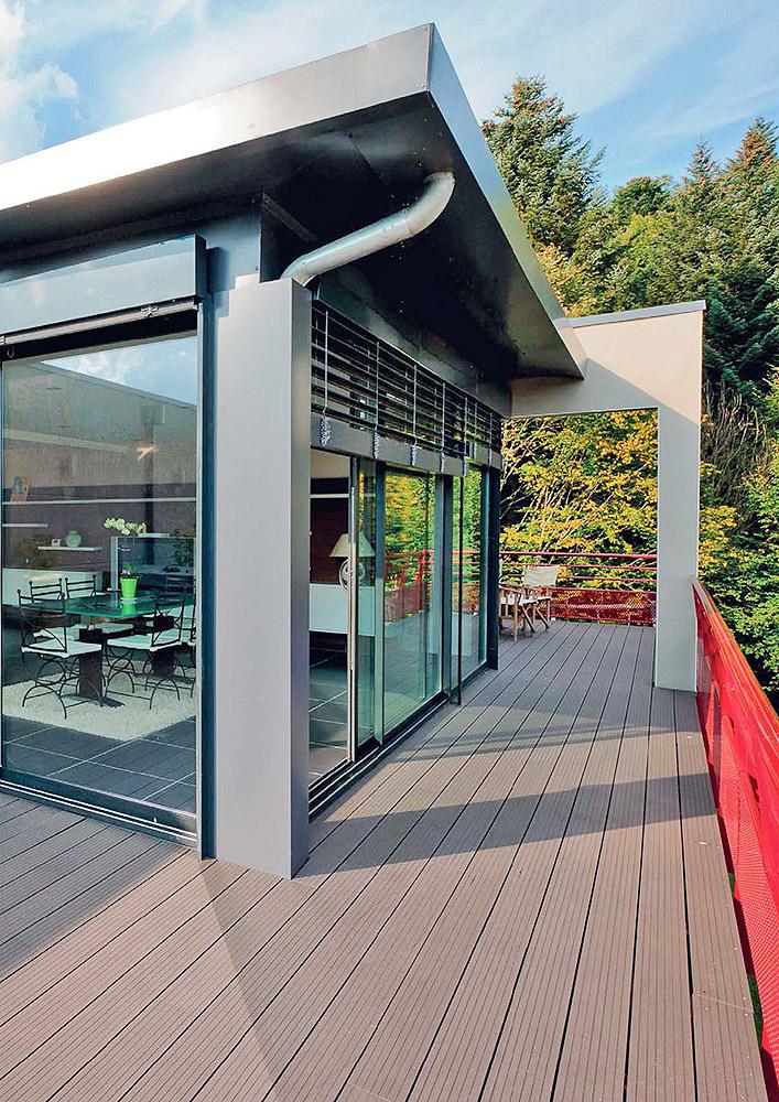 baie vitre arrondie stunning fenetre coulissante grande largeur with baie vitre arrondie. Black Bedroom Furniture Sets. Home Design Ideas